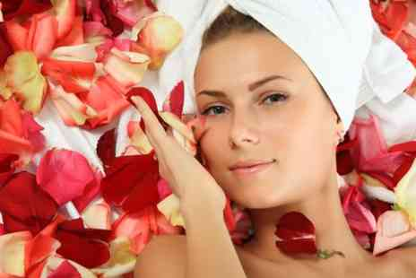 Teddys girls beauty parlour - Revitalising Glycolic facial - Save 50%