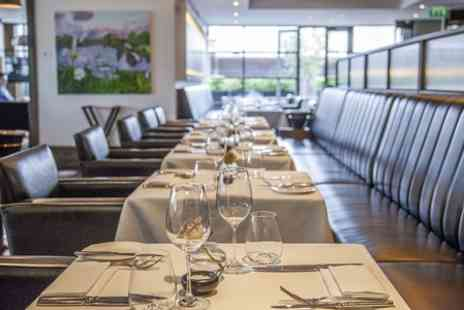 Eight Club Moorgate - Ribeye Steak Meal With Wine For Two  - Save 49%