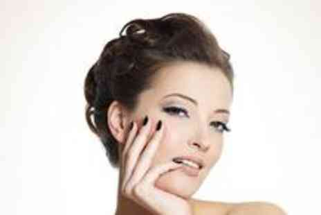 Prima Donna - Luxury pamper package including a facial, eyelash extensions, an eyebrow shape and a manicure - Save 71%