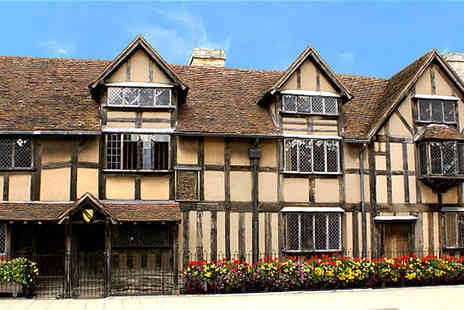 The Shakespearience - One night stay for two with breakfast include tickets to Shakespeares Former Houses - Save 50%