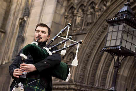 RG Musicom - Four hour bagpiper hire - Save 59%