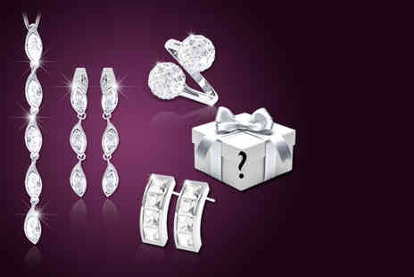 Rocks of London - Five piece jewellery gift set made with Swarovski elements - Save 92%