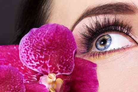 Remix Cuts & Colours - Full Set of Eyelash Extensions - Save 53%