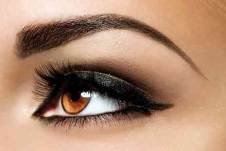 Prestige Lash Lounge - Full set of semi permanent lashes and an eyebrow tidy - Save 44%
