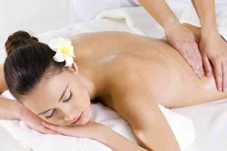 3D Hair And Beauty - Aromatherapy Massage - Save 50%