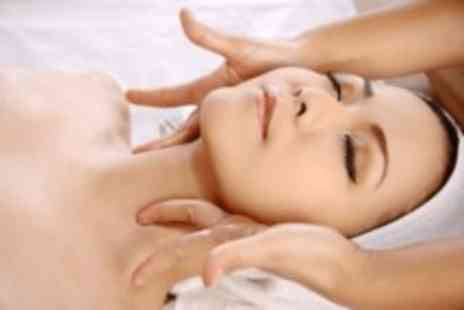 Head 2 Toe Beauty - Pamper package, with a back, neck & shoulder massage Plus a mini facial - Save 55%