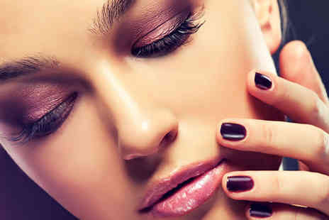 Foxy Beauty - Full set of eyelash extensions with a lash and brow tint - Save 58%