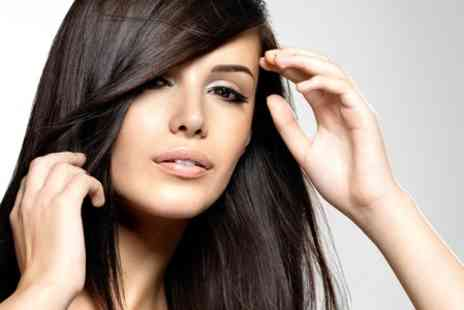 Hairstylist Ewa - Cut and Blow Dry Plus Highlights - Save 50%
