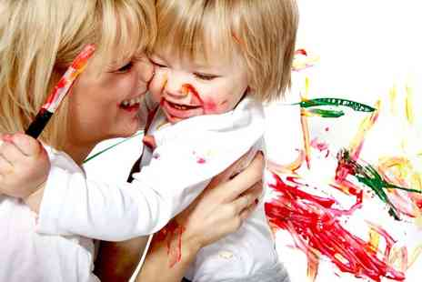 Lawson Wright Studios - One hour childrens messy play photoshoot including 6 prints - Save 91%
