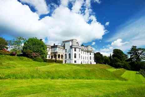 Gartmore House - One Night Stay With Breakfast and Christmas Dinner - Save 61%