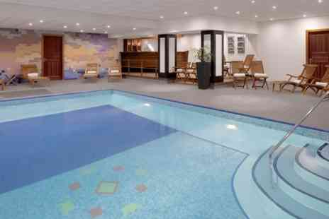 Pace Health Club - Spa Day With Treatment and Prosecco - Save 24%