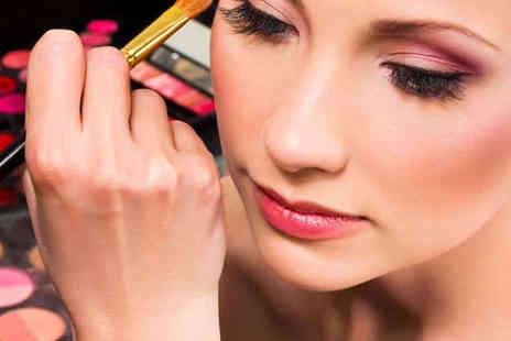 Perfect Eyelashes - Daily Makeup Consultation  - Save 50%