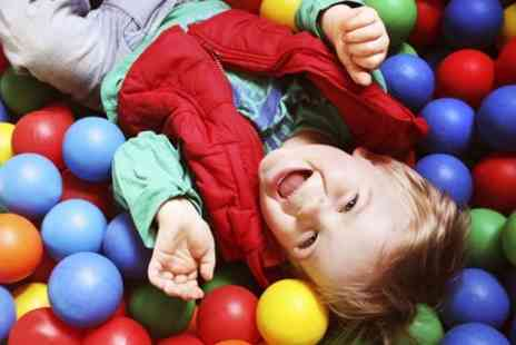 Gambado Glasgow - Soft Play Entry For a Family With Lunchbox and Drink For Kids  - Save 50%