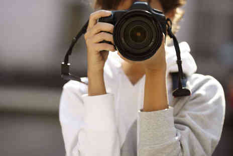 Leeds Stills Photography - Five Hour Digital SLR Photography Course - Save 61%