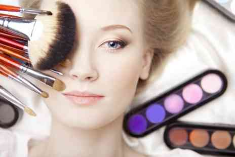 RA Academy - Make Up Masterclass Plus Extra Class or Photoshoot  - Save 92%