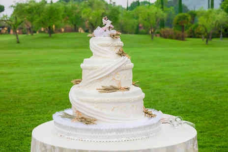 Kanta Kakes -  4 tier bespoke wedding cake - Save 58%