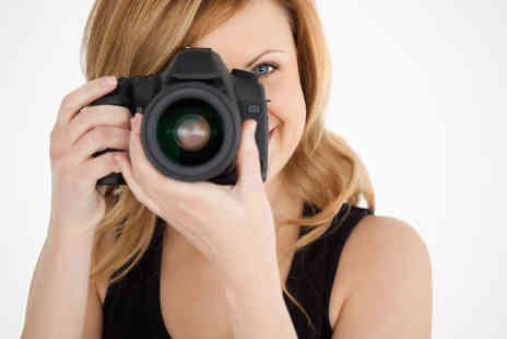 Blink of an Eye Photography - Photo Shoot Session with 7x5 Inch Print - Save 0%