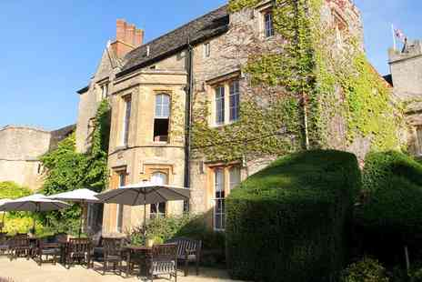 The Manor - Oxfordshire Escape including Dinner & Prosecco - Save 49%