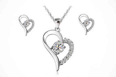 Youri deal gift store - Heart-Shaped Jewellery Set Made with Swarovski Elements - Save 86%