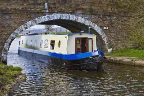 Hapton Valley Boats - 90 minute Christmas narrow boat cruise including mulled wine and roasted chestnuts - Save 51%