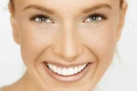 Sparkle Teeth Whitening - Three Sessions of Laser Teeth Whitening - Save 77%