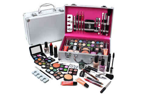 Urban Trading Grp - Urban Beauty Vanity Case with Make Up - Save 40%