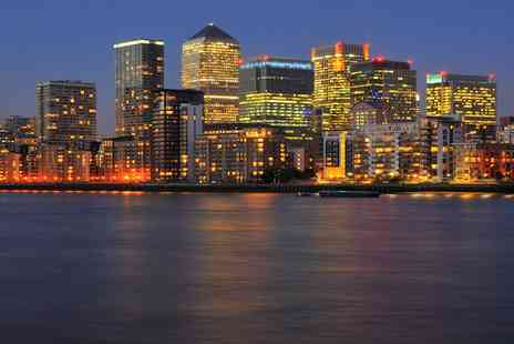 Experify - Enjoy an evening Thames cruise with bubbly, canapes and live music - Save 51%
