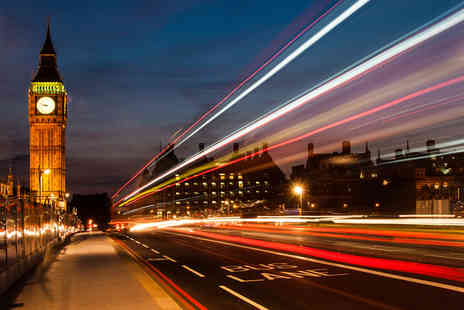 Golden Tours - One hour London by Night panoramic bus tour - Save 37%