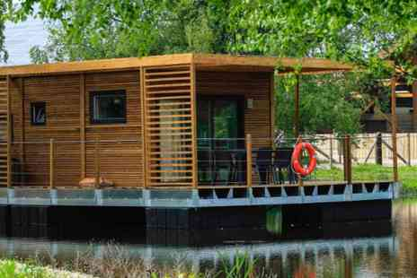 Domaine du Lieu Dieu - Two nights in a cosy floating cabin or wagon including cider and more - Save 64%