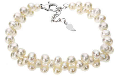 Jewel Unique - Stunning Freshwater White Pearl Bracelet - Save 84%
