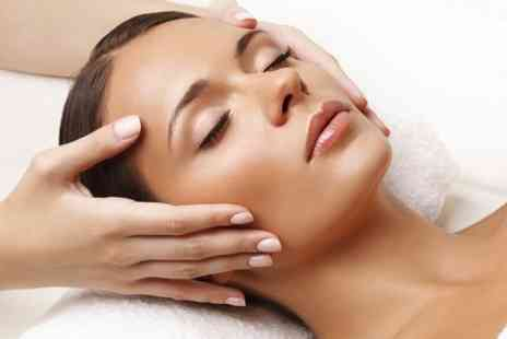 Lauretta De Luca - CACI Facial  - Save 58%