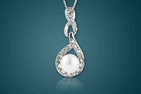 Diamond Style - Freshwater Pearl Pendant Necklace - Save 91%