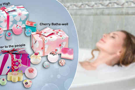 Pamper Me Store - Bath Bomb Gift Sets - Save 60%