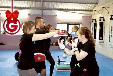 JasonOrchardFitness - Six Sessions of Kickboxing  - Save 73%