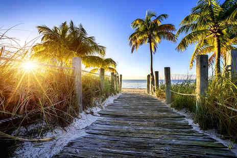 Flights and Fly - Seven night stay in Florida including return flights and daily breakfast - Save 0%