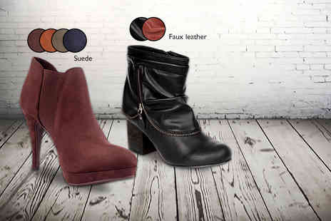 Mrs Marcos - Pair of stylish winter ankle boots - Save 69%
