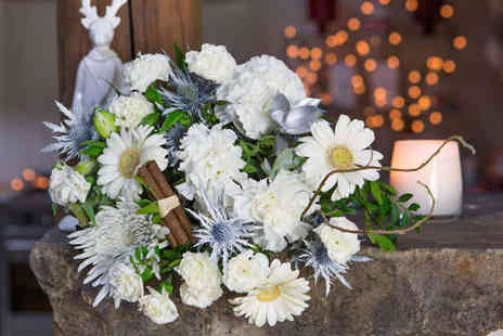 iflorist  - Choice of Christmas Bouquet  - Save 39%