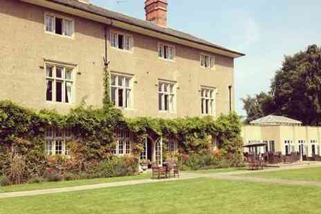 Woodborough Hall - One Night Stay For Two With Breakfast and Three Course Meal  - Save 49%