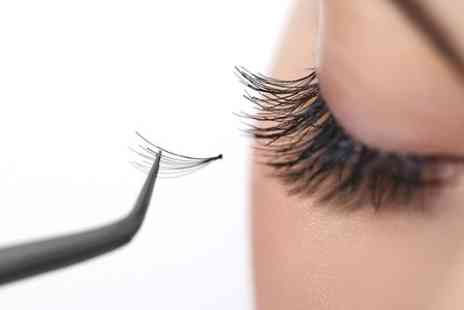 Fusion Hair and Beauty Training School - Eyelash Extensions Application Class  - Save 78%