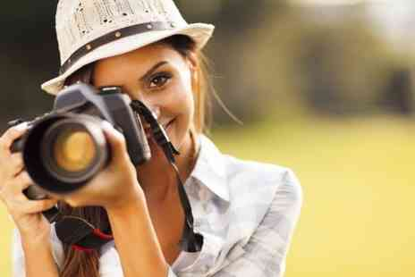 The Lincoln School of Photography - Beginners DSLR Course or Intermediate Photography Tour  - Save 74%