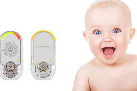 CM Direct - Motorola Digital Plug in Baby Monitor - Save 40%