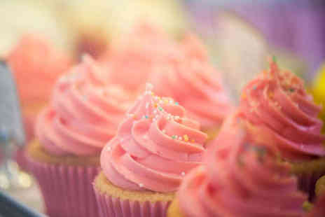 Lulubelles of Dorset - £10 to Spend on Cakes - Save 50%