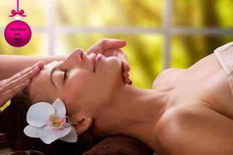 Peppermint Beauty - One hour Guinot facial, 30 minute massage & mince pie - Save 62%