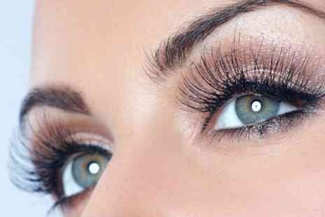 Lush - Full Set of Semi Permanent Eyelash Extensions  - Save 64%