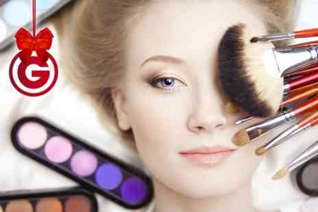 RA Academy - MAC Make Up Class With Goodie Bag Plus Photoshoot or Class - Save 92%