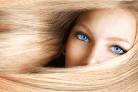 Hairticians - Half head of highlights, haircut, finish Plus Moroccan Oil treatment - Save 0%