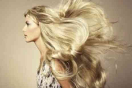 Eden 8 - Half head of highlights Plus a cut, wash & blow dry with conditioning treatment - Save 0%