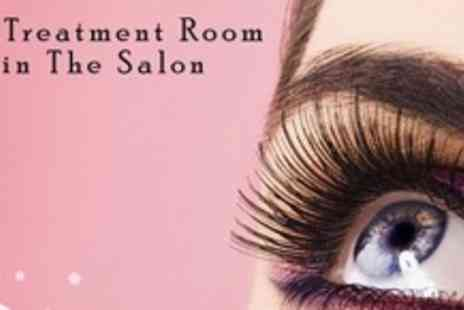 The Treatment Room - Full Set of Silk Eyelash Extensions - Save 66%