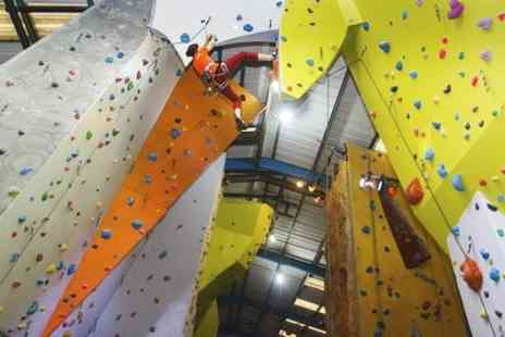 The Reach - Bouldering Induction and Day Pass or Basic Climbing Skill Course - Save 67%
