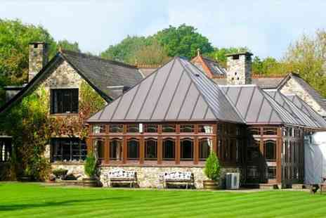 the Lakeview Manor - One Night stay For Two With Bottle of Wine - Save 0%